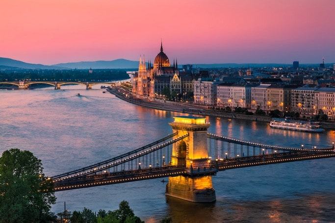 Sightseeing transfer from Prague to Budapest via Bratislava
