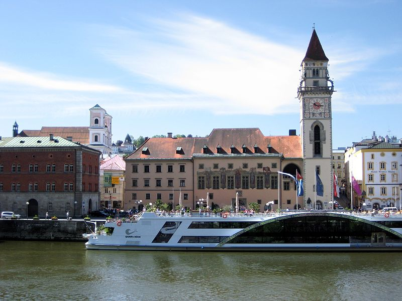 Read more about the article Sightseeing transfer from Prague to Passau via Český Krumlov